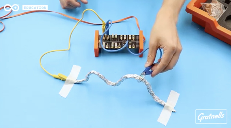 Arduino Science Kit Physics Lab: Buzz Wire Maze